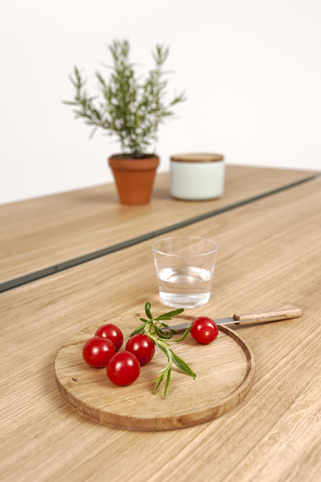 Cooking Table by Moritz Putzier_17