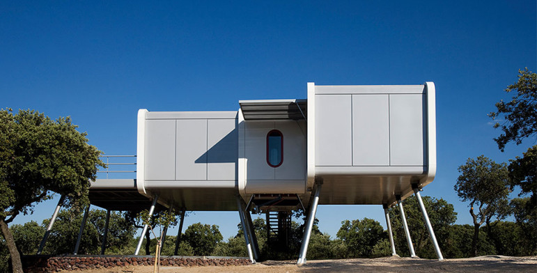 noem_spaceship_home_2